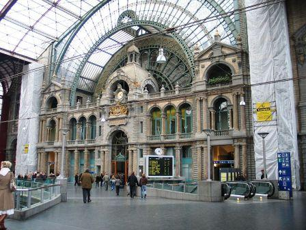 Antwerpen Centraal Railway Station. Central Train Station : the